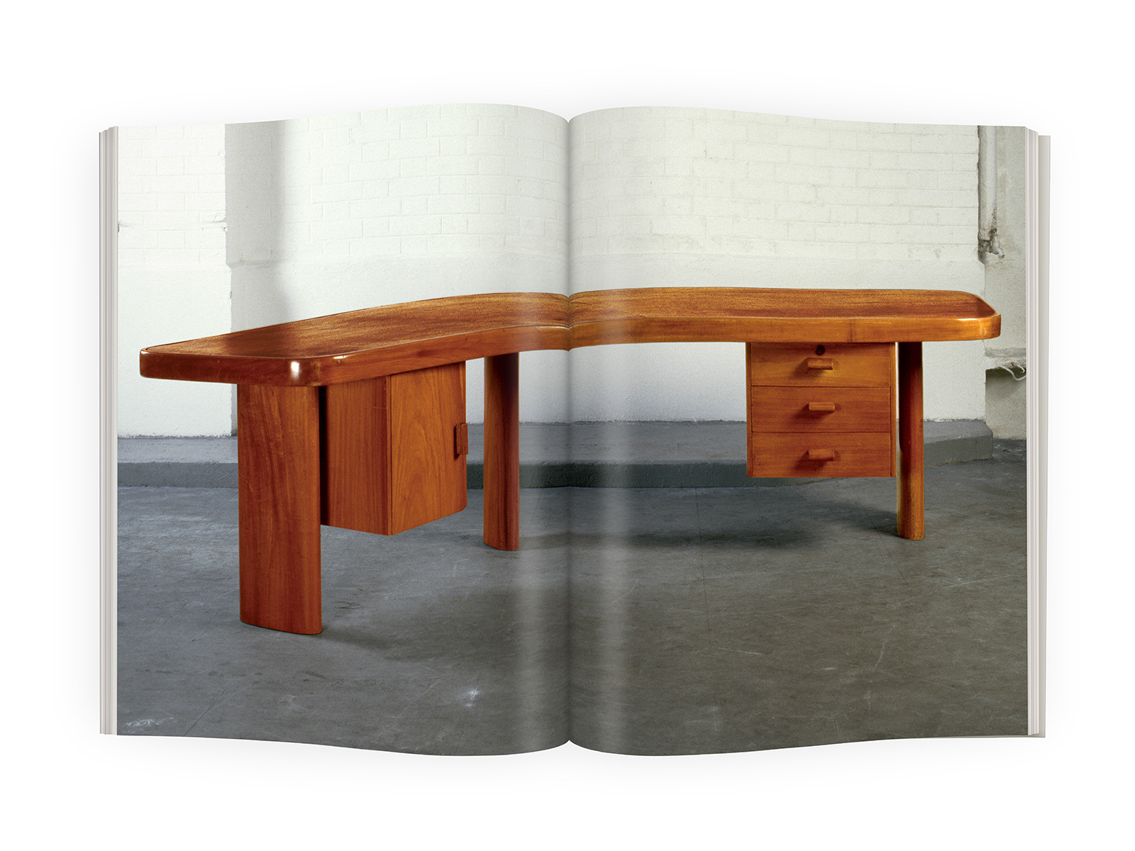 galerieDOWNTOWN - Catalogue Charlotte Perriand Bresil p56-57